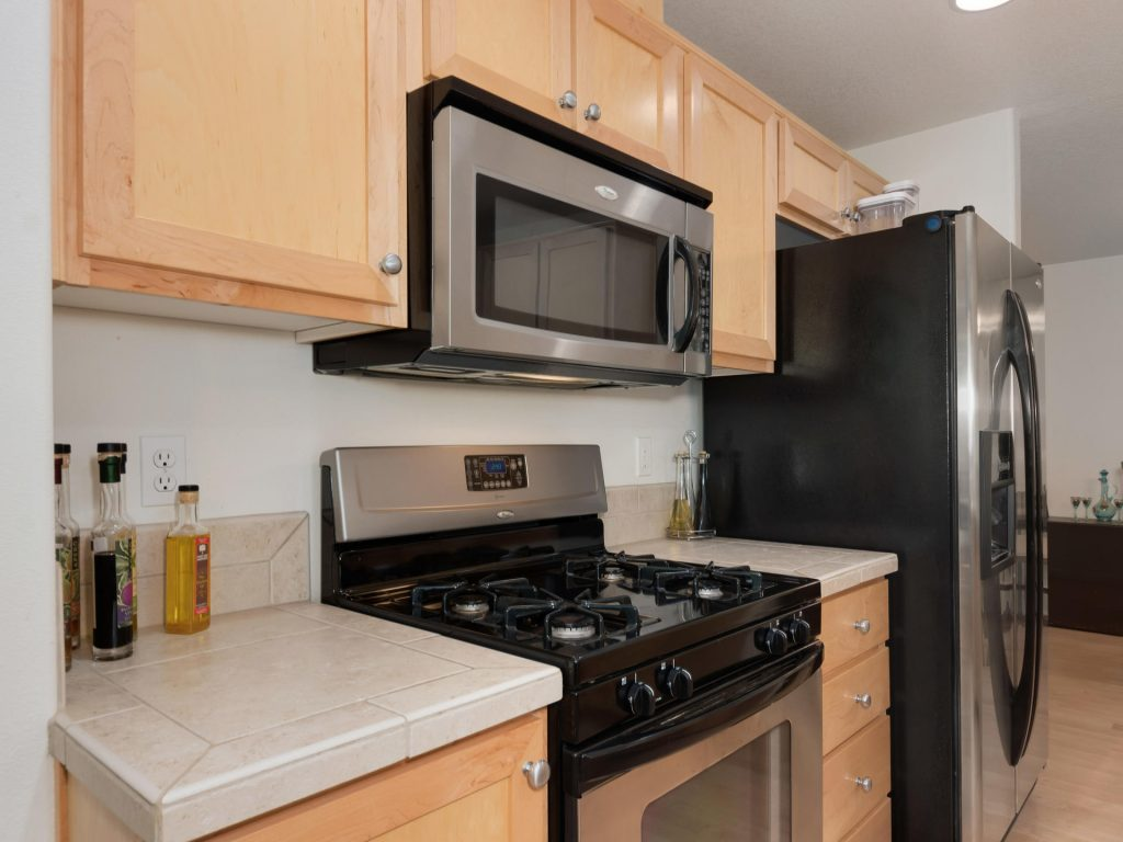 10731 SW Canterbury Ln Unit-012-23-Kitchen-MLS_Size