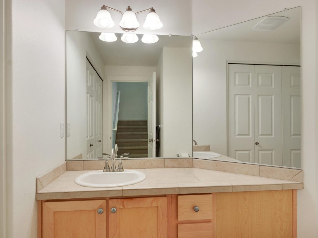 10731 SW Canterbury Ln Unit-015-21-Powder Bath-MLS_Size