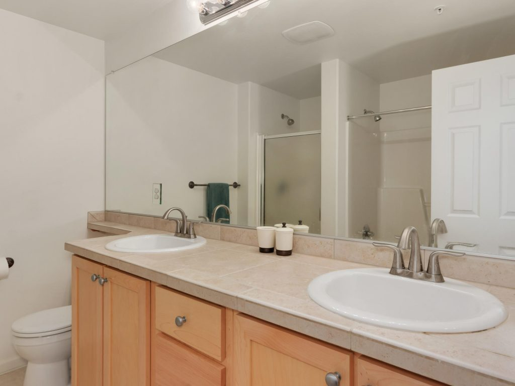 10731 SW Canterbury Ln Unit-017-22-Master Bath-MLS_Size