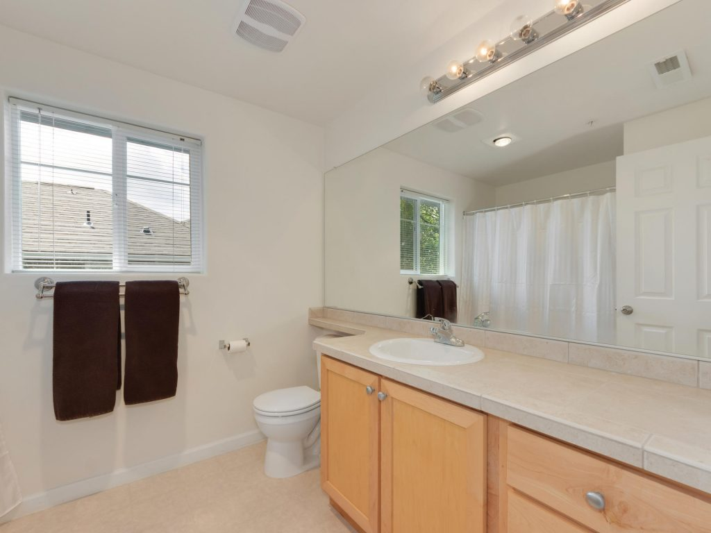 10731 SW Canterbury Ln Unit-021-28-Main Bath-MLS_Size