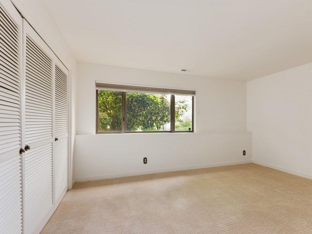 2530 SW Scenic Dr Portland OR-MLS_Size-029-7-Bedroom-1920x1440-72dpi