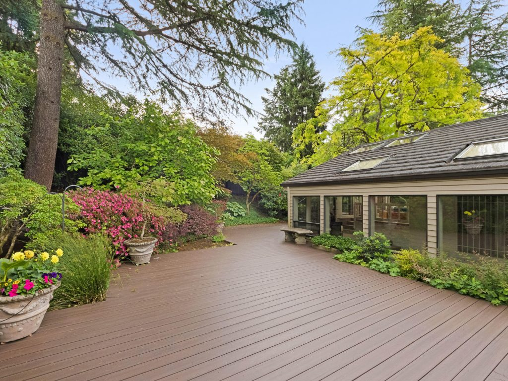 2530 SW Scenic Dr Portland OR-MLS_Size-039-27-Deck-1920x1440-72dpi