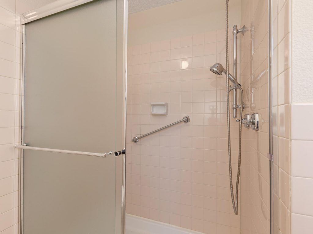 7425 SW Canyon Dr Portland OR-014-16-Master Shower-MLS_Size
