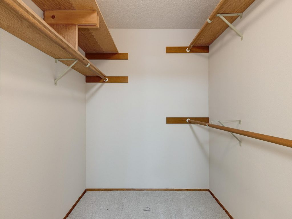7425 SW Canyon Dr Portland OR-015-22-Master Closet-MLS_Size