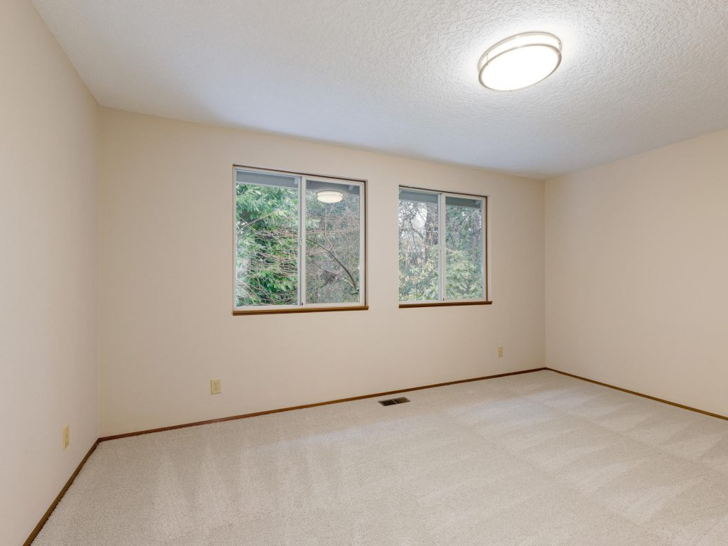 7425 SW Canyon Dr Portland OR-017-11-Bedroom 3-MLS_Size