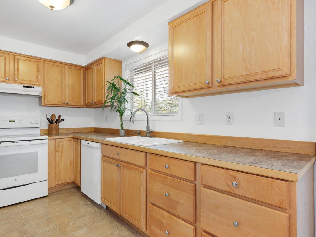 1672 NE 12th Ave Hillsboro OR-large-004-30-Kitchen-1331x1000-72dpi