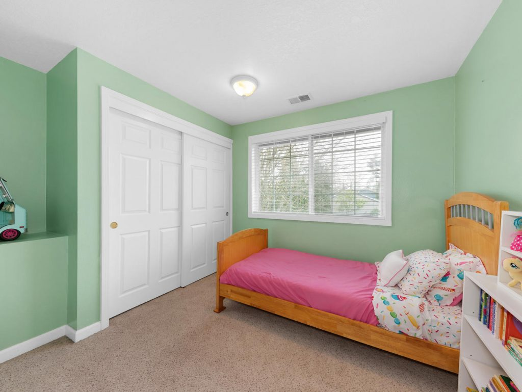 1672 NE 12th Ave Hillsboro OR-large-014-10-Bedroom 2-1331x1000-72dpi