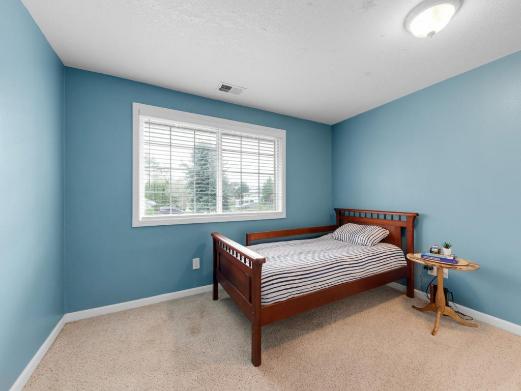 1672 NE 12th Ave Hillsboro OR-large-015-32-Bedroom 3-1331x1000-72dpi