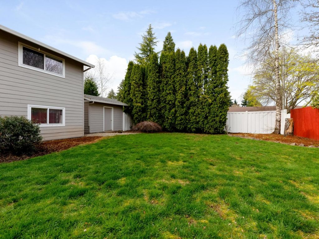 1672 NE 12th Ave Hillsboro OR-large-026-14-Back Yard-1331x1000-72dpi