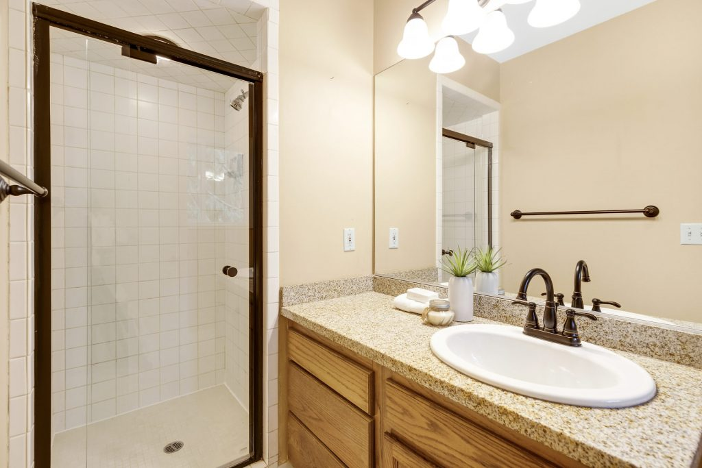 019-3620SW70thAve-Portland-OR-97225-small