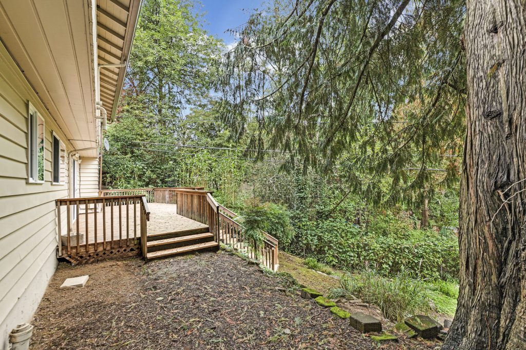 042-3620SW70thAve-Portland-OR-97225-small