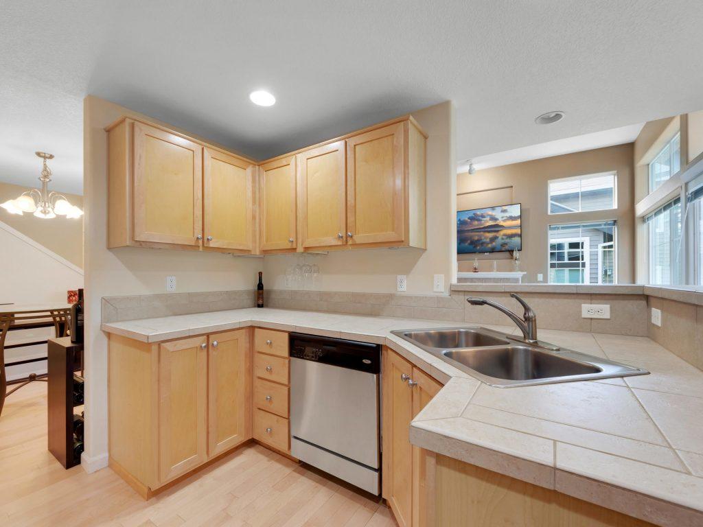 10731 SW Canterbury Ln Unit-011-31-Kitchen-MLS_Size