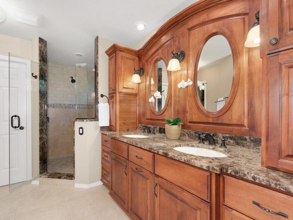 10140 SW Redwing Terrace-018-8-Master Bath-MLS_Size