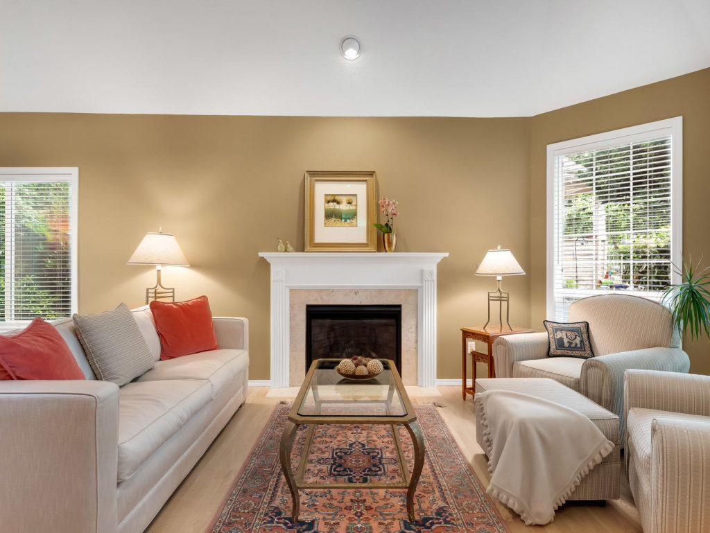 7437 SW 32nd Ave Portland OR-large-008-008-Living Room-1331x1000-72dpi