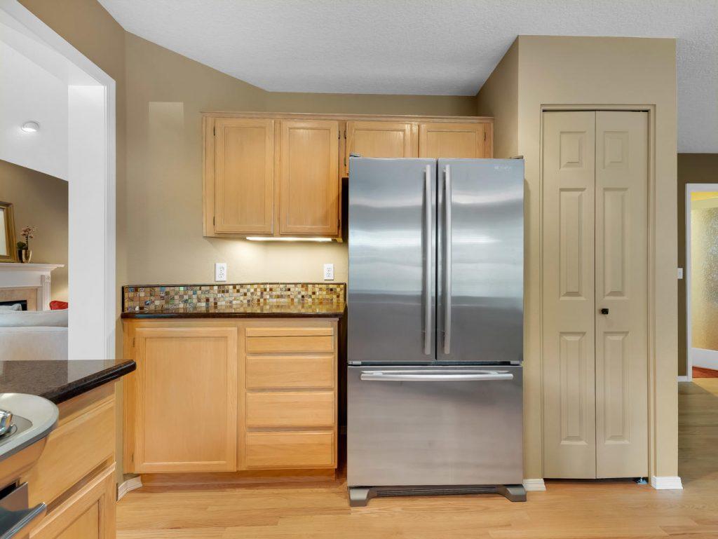 7437 SW 32nd Ave Portland OR-large-015-015-Kitchen-1331x1000-72dpi