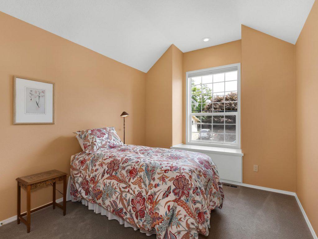 7437 SW 32nd Ave Portland OR-large-024-025-Bedroom 2-1331x1000-72dpi