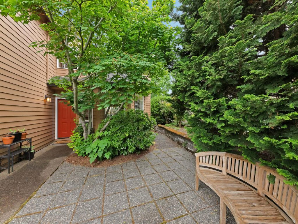 7437 SW 32nd Ave Portland OR-large-032-032-Entry Landscaping-1331x1000-72dpi