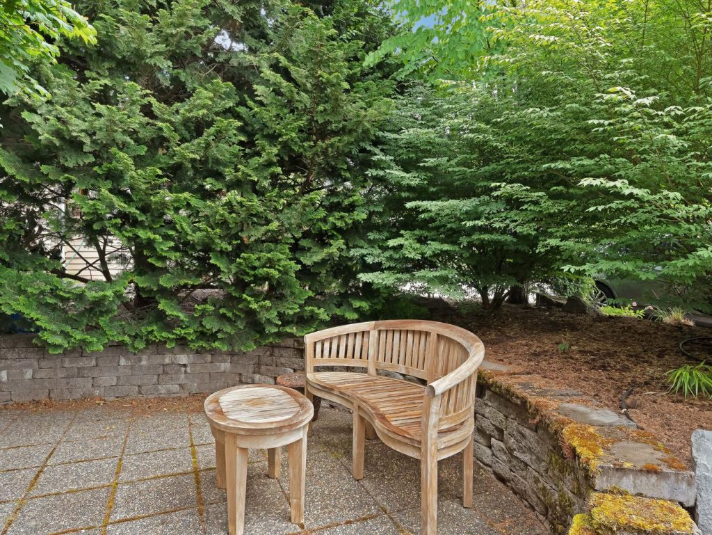 7437 SW 32nd Ave Portland OR-large-033-002-Entry Landscaping-1331x1000-72dpi