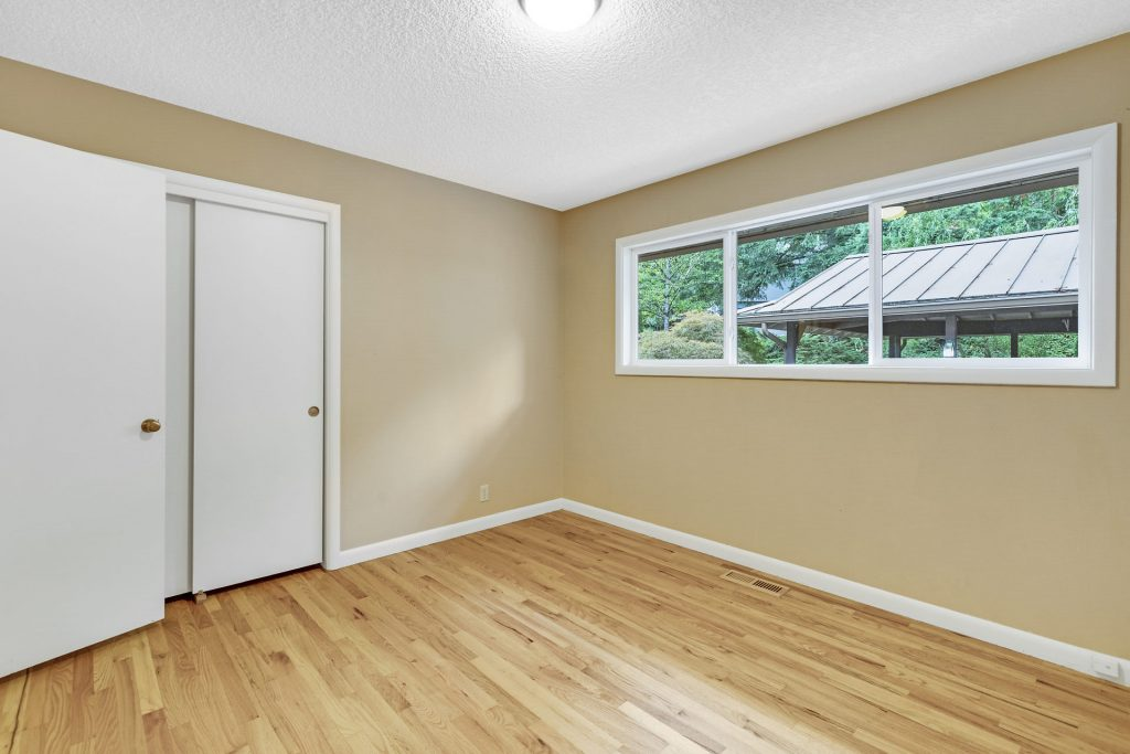 016-3620SW70thAve-Portland-OR-97225-small