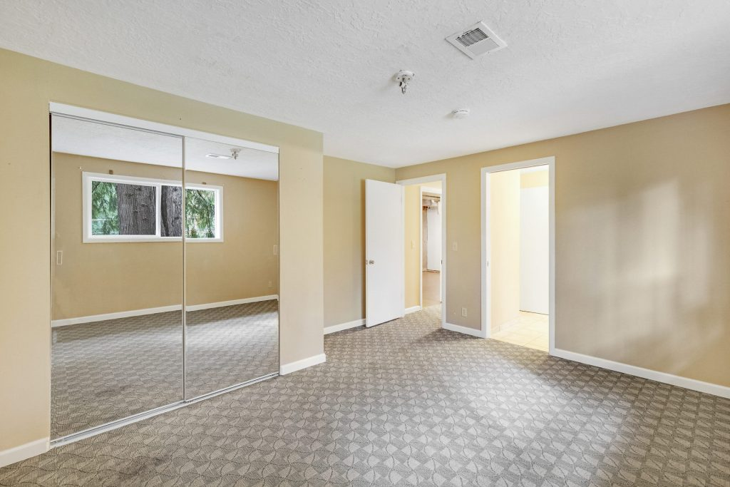 036-3620SW70thAve-Portland-OR-97225-small