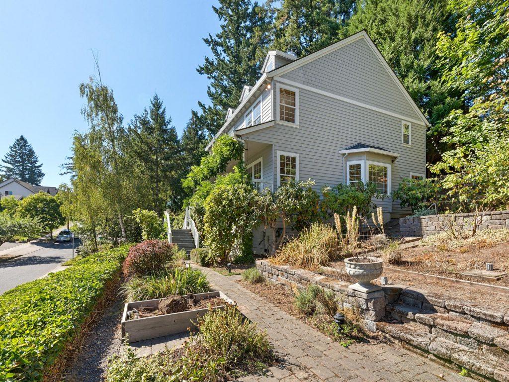 3009 SW Dickinson St Portland-039-035-IMG 8491-MLS_Size